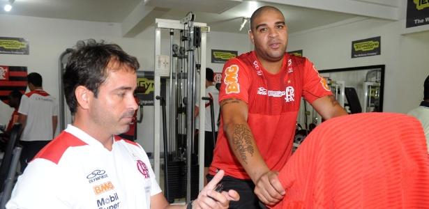 Adriano trabalha para recuperar a forma física em sua volta ao Flamengo  - Alexandre Vidal / Fla Imagem