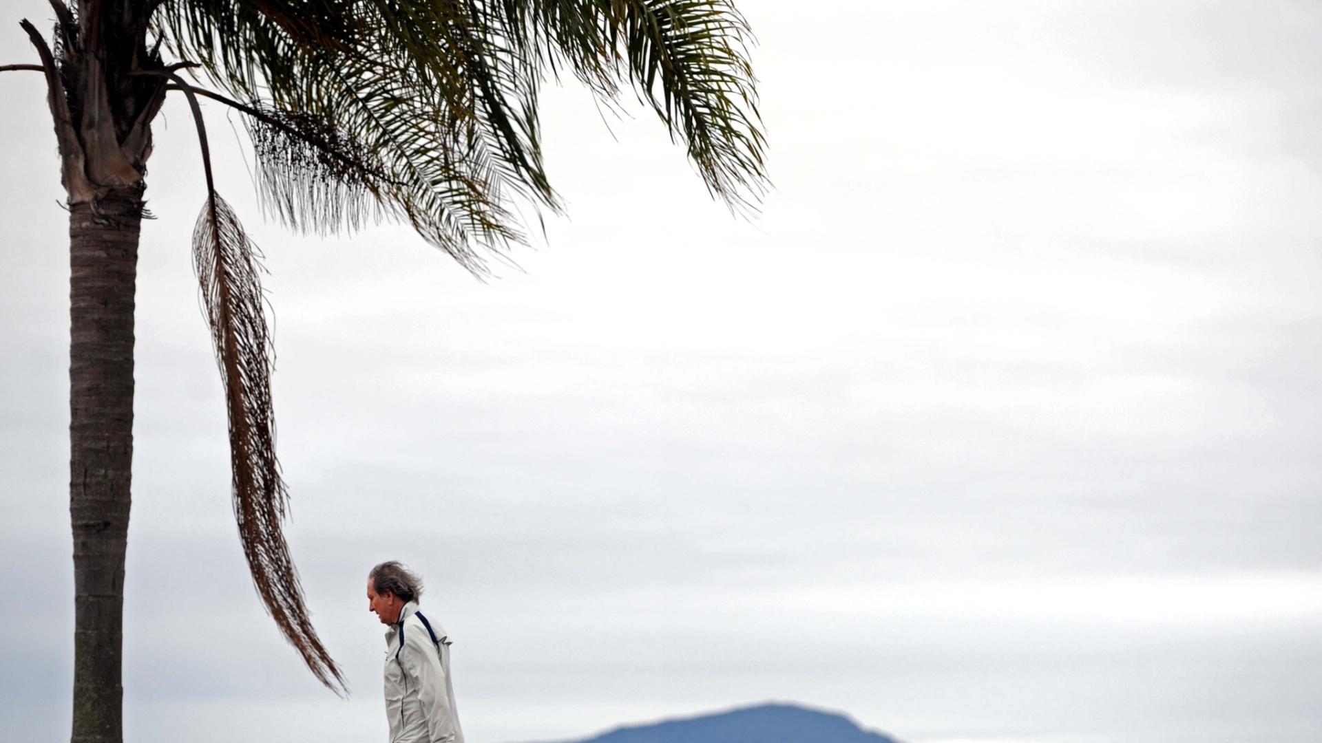26.ago.2012 - Florianópolis amanhece nublada neste domingo (26), a primeira onda de frio de agosto está avançando da Argentina em direção à região Sul, o que derrubou as temperaturas. Deve no norte do Rio Grande do Sul e no sul de Santa Catarina