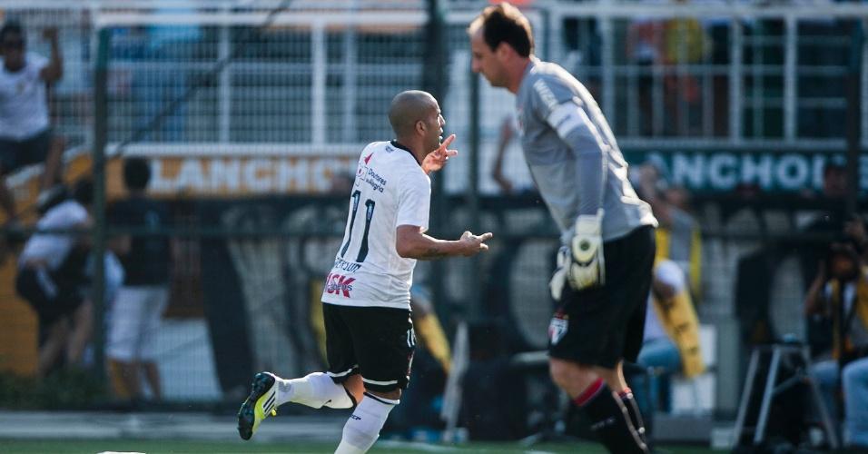 Emerson Sheik comemora gol marcado contra o São Paulo no clássico deste domingo no Pacaembu