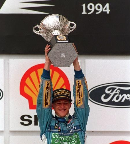 Michael Schumacher celebra vitória do GP do Brasil de 1994