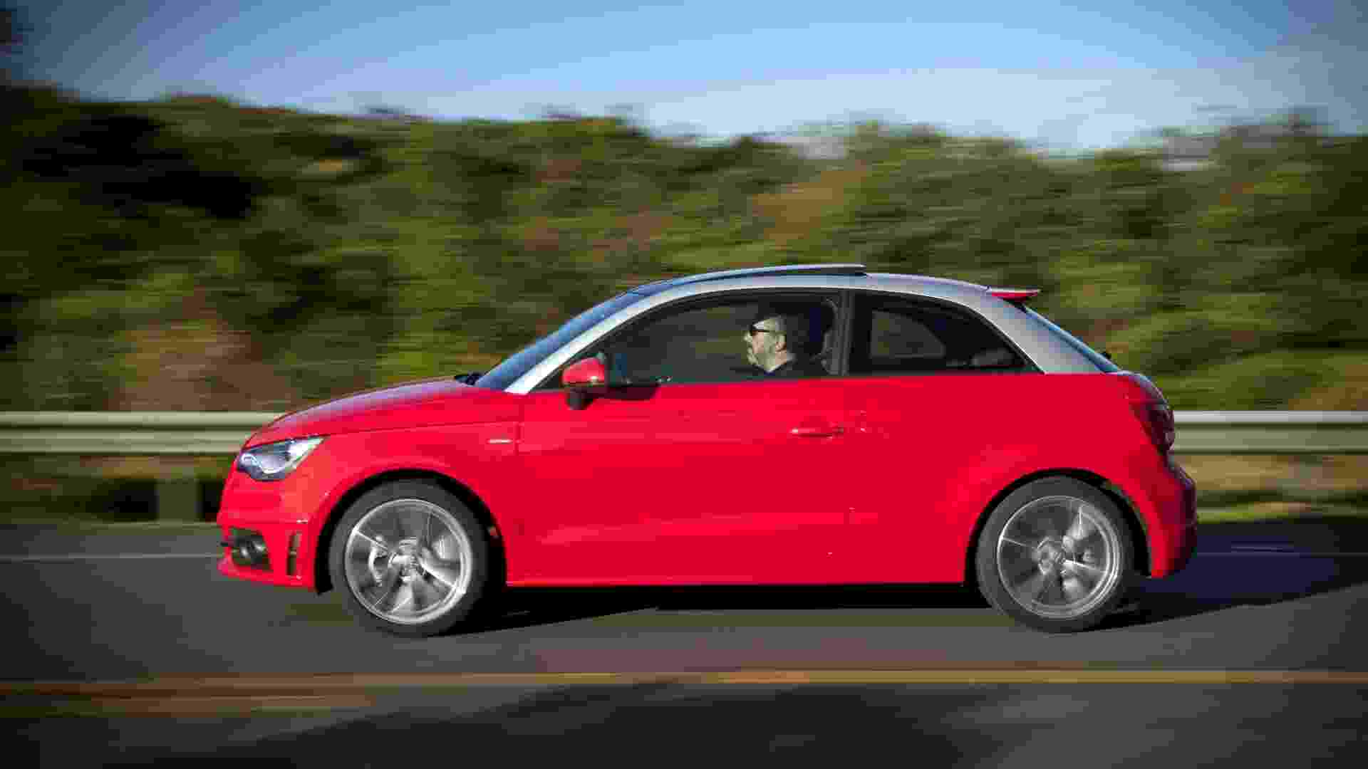 Novo A1 Sport é importado por R$ 109.900, R$ 15 mil mais caro que o A1 civil - Divulgação
