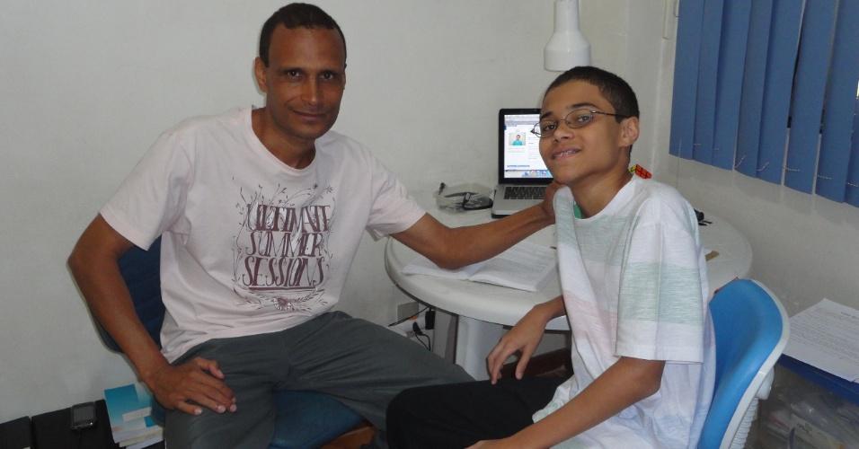O carioca Daniel Santana Rocha tem apenas 15 anos, estuda em escola pública, é filho de professores e ganhou, no mês passado, a medalha de ouro na Olimpíada de Matemática da Comunidade dos Países da Língua Portuguesa, disputada em Salvador