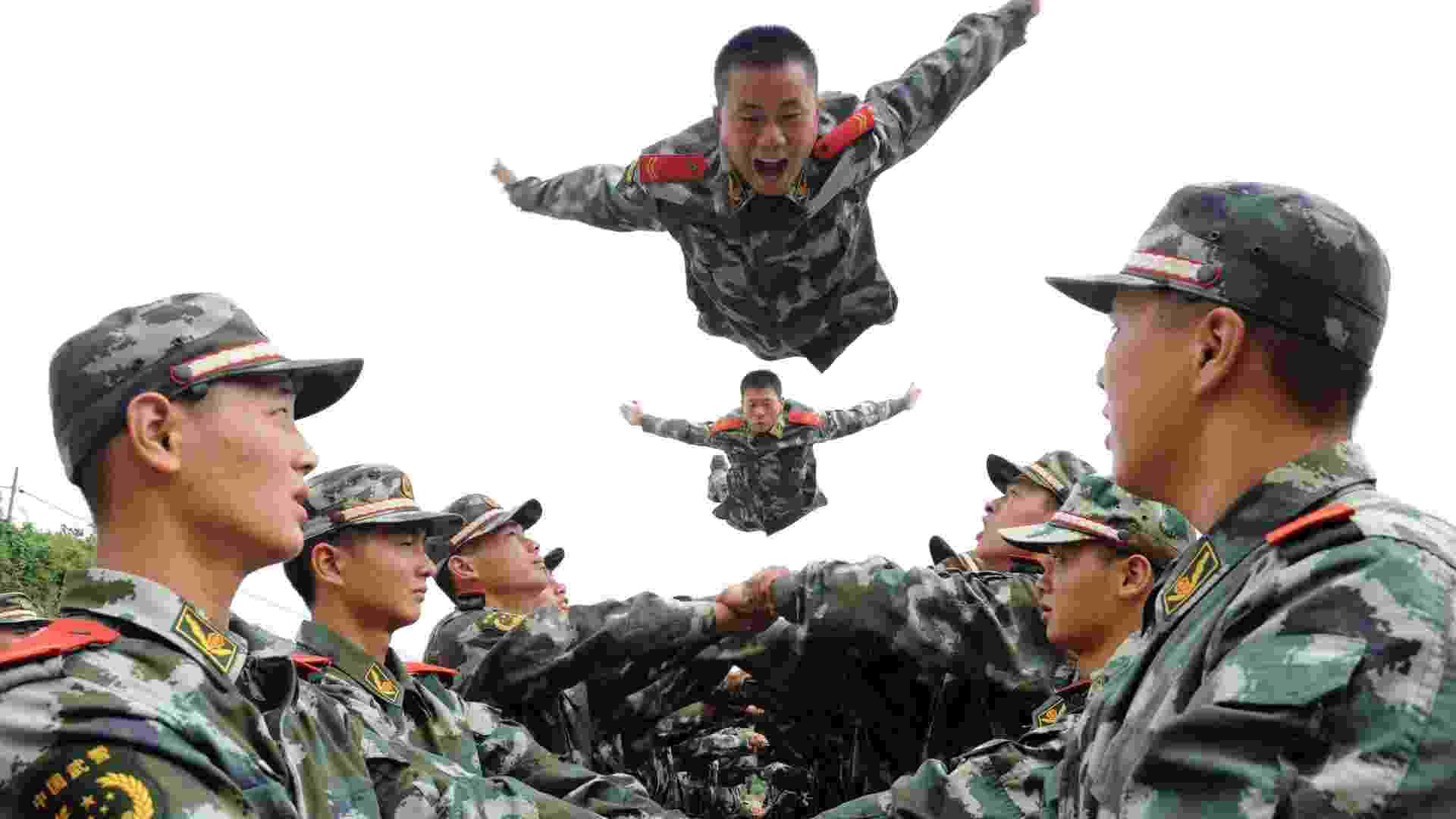 28.ago.2012 - Soldados militares participam de treinamento em Tongling, na província de Anhui, na China - Reuters