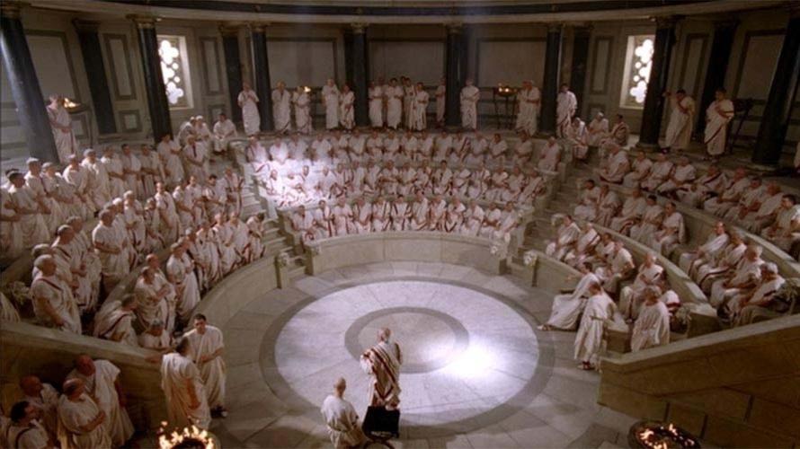 O Senado em funcionamento numa das cenas da série Roma. Uma das primeiras instituições republicanas da história da humanidade, o Senado era o palco das decisões políticas que ordenavam e conduziam a vida dos cidadãos na República. Sua organização e mecânica de funcionamento foi modelo para muitas nações que se estabeleceriam ao longo da história.