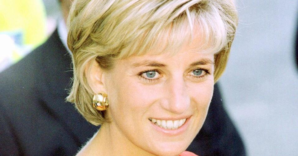Princesa Diana durante visita ao Northwick Park Hospital, em Londres (21/7/97)