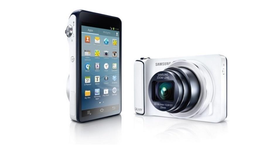 29.ago.2012 - A Samsung, como a Nikon, apresentou uma câmera fotográfica com o sistema Android. Chamada de Galaxy Camera, o aparelho tem resolução de 16 megapixels, zoom óptico de 21x, tela de 4,8 polegadas (1280 x 720) e suporta internet móvel (por conexão 3G, 4G ou WiFi). Por vir com o sistema Android (no caso, a versão Jelly Bean), o usuário poderá baixar aplicativos para a câmera que podem ajudá-lo a editar melhor as imagens clicadas ou mesmo compartilhar facilmente as imagens em redes sociais