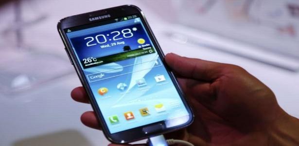 Híbrido entre smartphone e tablet, Galaxy Note II fica maior e ganha processador de quatro núcleos