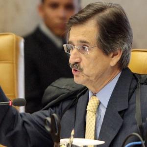 O ministro Cezar Peluso se aposenta compulsoriamente na próxima segunda-feira (3); nesta quinta-feira (30) ele estará no julgamento do mensalão pela última vez  - Roberto Jayme/UOL