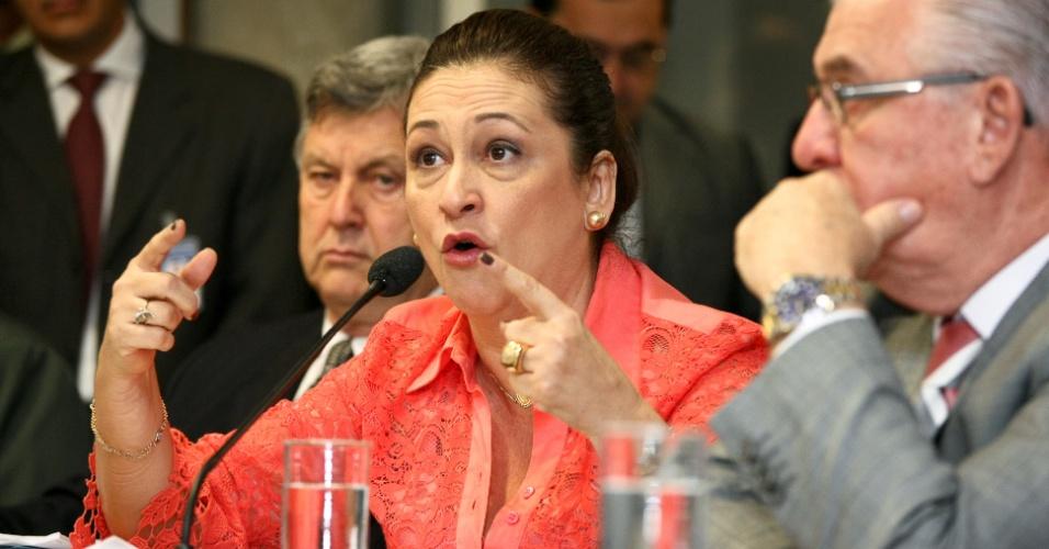29.ago.2012 - Senadora Kátia Abreu discursa durante reunião da Comissão Mista do Código Florestal, que analisa a medida provisória 571/2012, que alterou o novo código