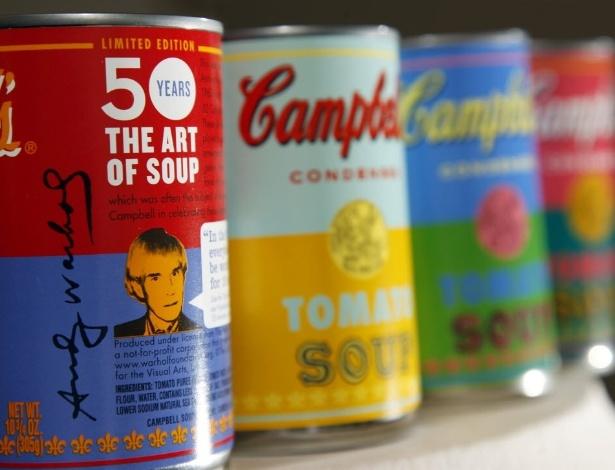A sopa Campbells, lata de sopa que inspirou a obra do artista Andy Warhol vai ser vendida ao público com impressões especiais para comemorar  - Photo/Mel Evans