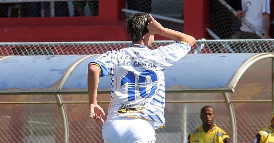Comemoração de gol do time do Jardim São Carlos
