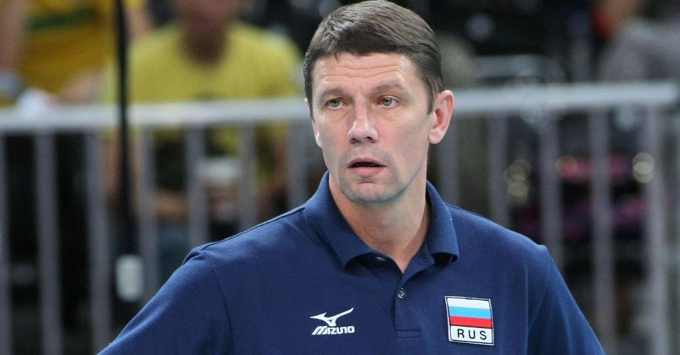 Sergey Ovchinnikov comanda a seleção feminina de vôlei da Rússia na Olimpíada de Londres-2012; o treinador de 43 anos foi encontrado morto no dia 29/08/2012