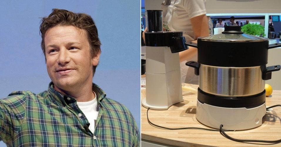 30.ago.2012 -- o chef Jamie Oliver apresentou a panela Home Cooker, da Philips, que mexe sozinha a comida. Segundo o fabricante, o produto não queima os alimentos porque um sensor faz com que a panela desligue automaticamente. O kit é composto pela panela, o processador de alimentos, a cesta para cozimento a vapor e o ''segundo andar'' (uma panela adicional). Custará 399 euros (cerca de R$ 1.026) no mercado europeu