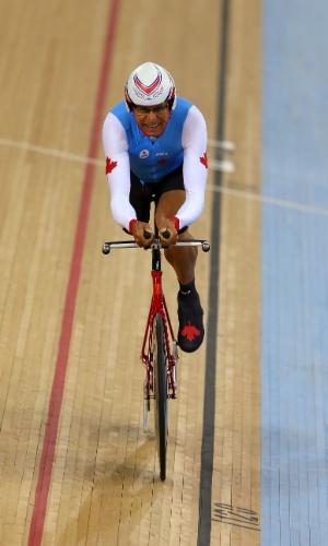 Ciclista canadense Arnold Boldt compete na prova de 1 quilômetro do ciclismo da Paraolimpíada de Londres na categoria C1-2-3