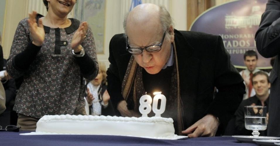 Congresso argentino homenageia Quino como parte das comemorações de seu aniversário de 80 anos (30/8/12)