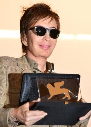 O cineasta Michael Cimino recebe prêmio especial em cerimônia no Festival de Veneza (30/08/2012) - Gabriel Bouys/AFP