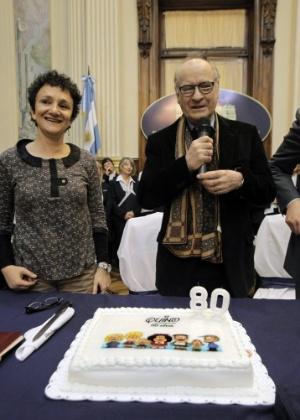 Pai da personagem Mafalda, o cartunista argetino Quino comemorou seus 80 anos com homenagem do Congresso Nacional de Buenos Aires (30/8/12)