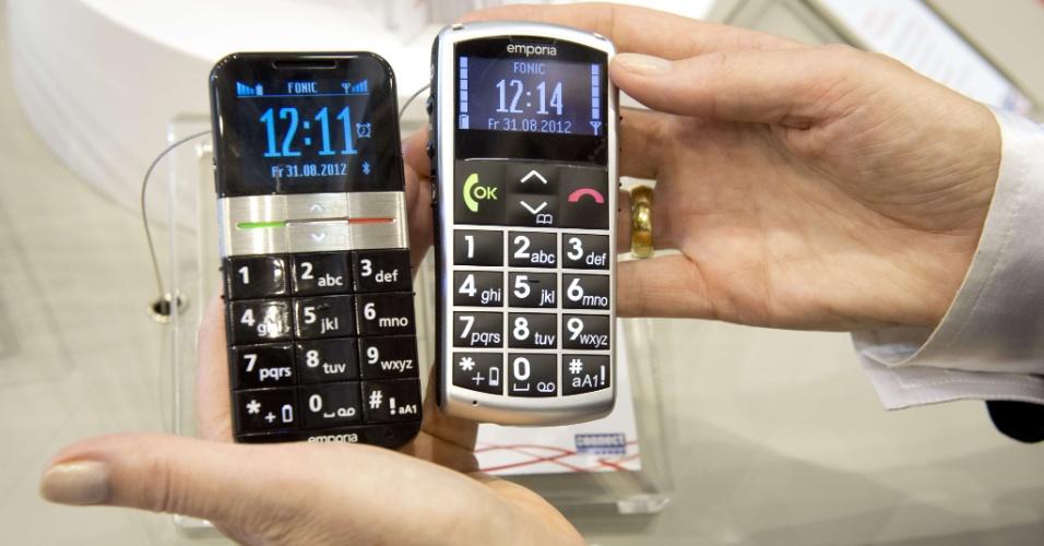 31.ago.2012 - Modelos de celulares da Emporia visam usuários pouco familiarizados com a tecnologia. Em sua 52ª edição, o evento é realizado em Berlim (Alemanha) de 31 de agosto a 5 de setembro