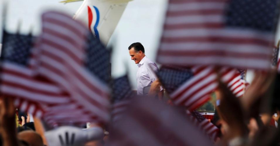 31.ago.2012 - O candidato republicano à Presidência dos Estados Unidos, Mitt Romney, iniciou oficialmente a campanha eleitoral nesta sexta-feira (31) em Lakeland, Flórida. Romney retomou a campanha um dia após oficializar sua candidatura