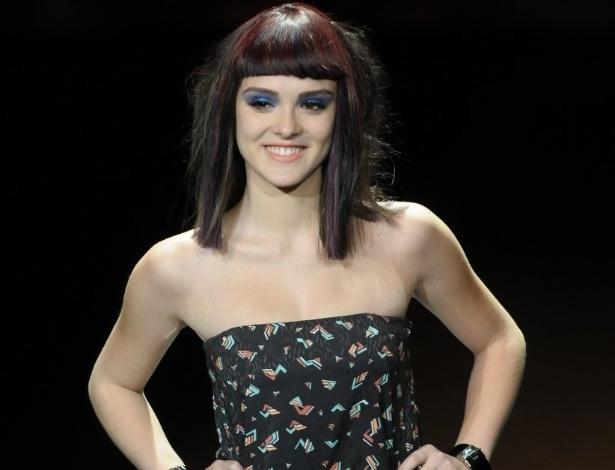 A atriz Isabelle Drummond na passarela do Hair Fashion Show, evento de tendências de cabelo que aconteceu em São Paulo