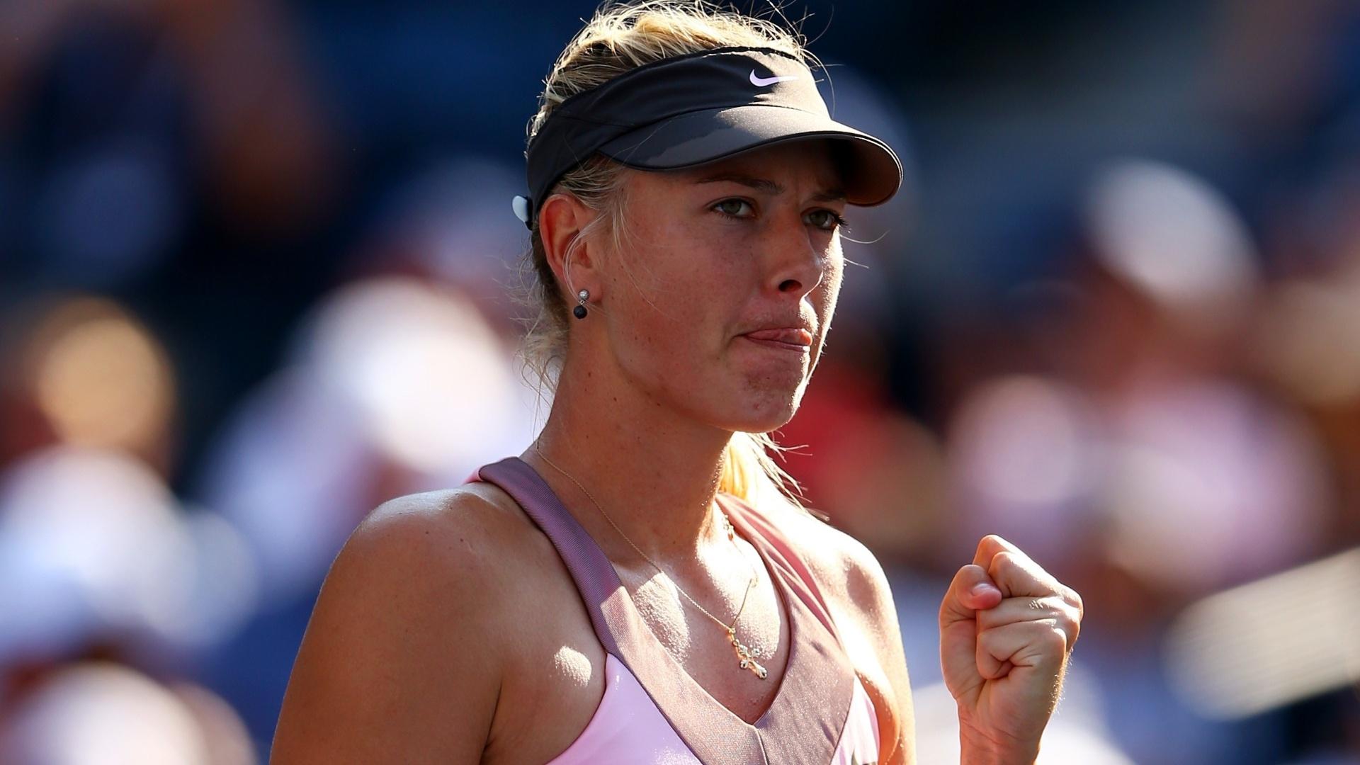 Maria Sharapova vibra com ponto conquistado na tranquila vitória sobre Mallory Burdette no Aberto dos EUA
