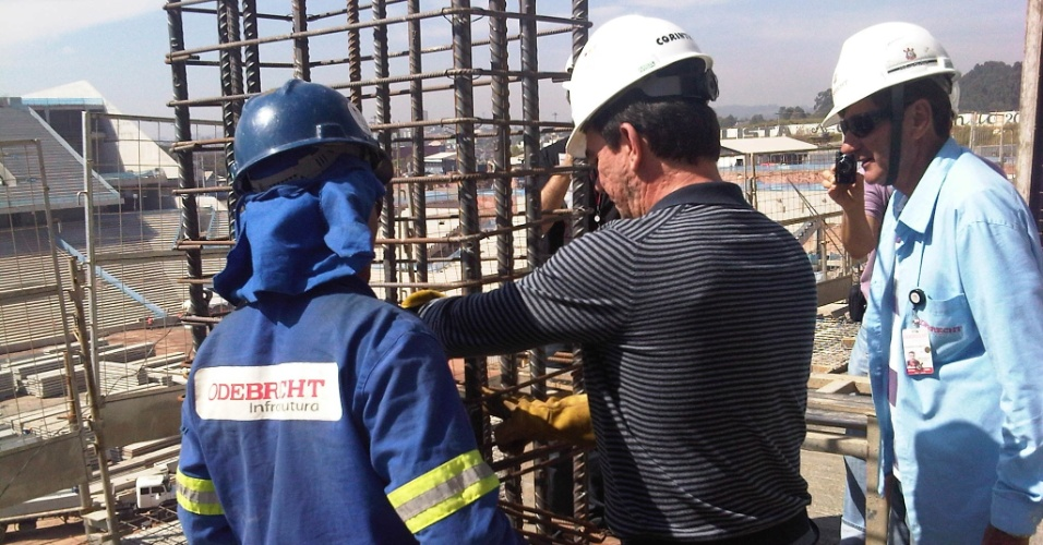 Andrés Sanchez, ex-presidente do Corinthians, participa da construção do Itaquerão