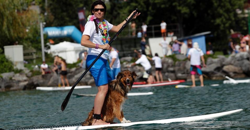 2.set.2012 - Mulher participa de evento de caridade no Lago Leman, em Montreux, perto de Genebra (Suíça), neste domingo (2)