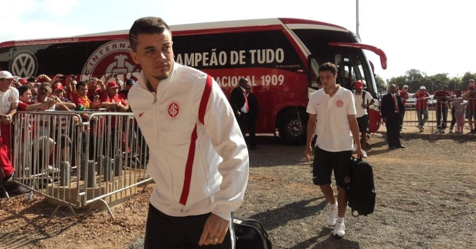D'Alessandro chega ao Beira-Rio para confronto de Inter e Flamengo (02/09/12)