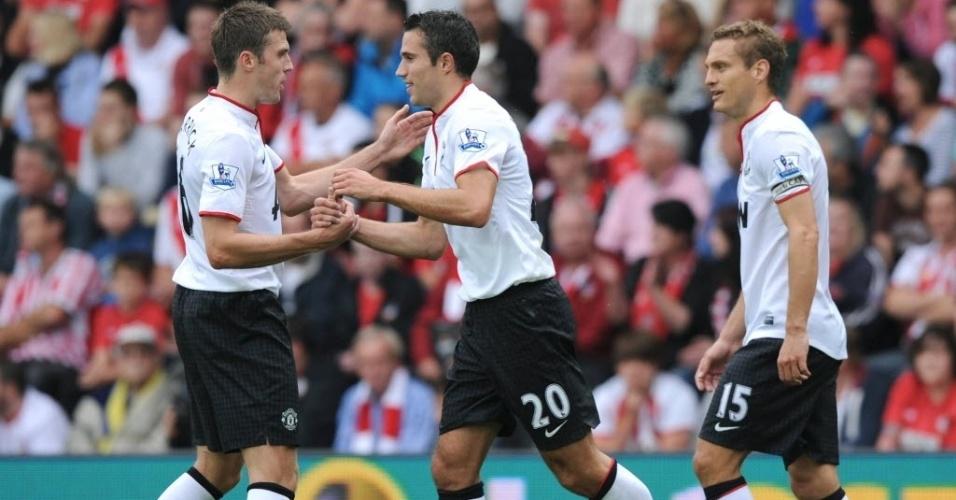 Robin Van Persie (meio) comemora gol na partida do Manchester United contra o Southampton