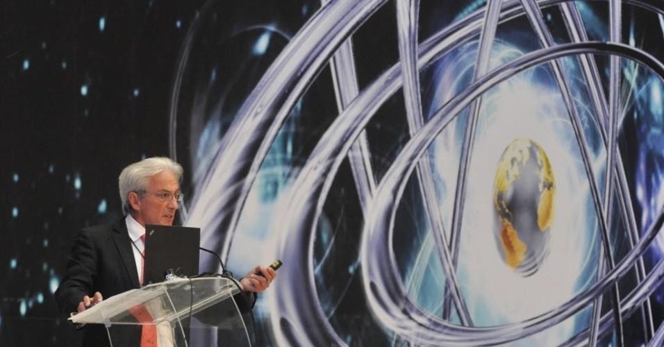 03.set.2012 - O francês Albert Fert, prêmio Nobel de Física, dá uma conferência nesta segunda-feira (3) na abertura da Semana de Ciência e Inovação 2012 do México