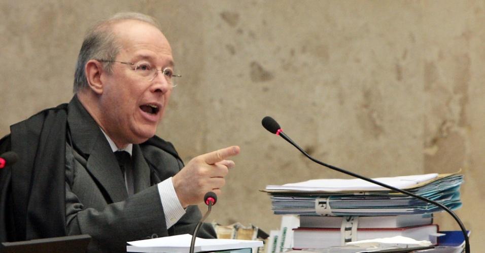 3.set.2012 - O ministro Celso de Mello no julgamento do mensalão, no STF, em Brasília. segunda-feira (3)