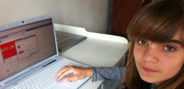 """A estudante Isadora Faber, 13, criou a página """"Diário de Classe"""" para relatar os problemas da escola onde estuda - Alvarélio Kurossu/Agência RBS"""