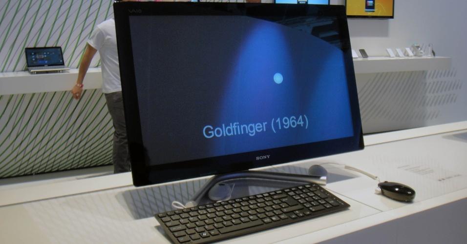4.set.2012 - O computador tudo-em-um Vaio L-Series, além de exibir imagens em 3D sem necessidade de óculos, vem com Windows 8 e tela touch de 24 polegadas