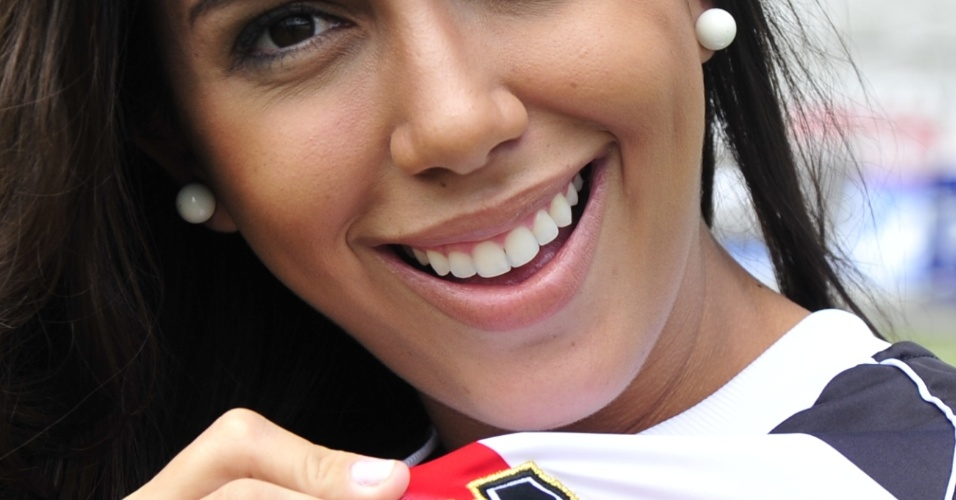 Sorriso de Samantha Diniz, do Santa Cruz