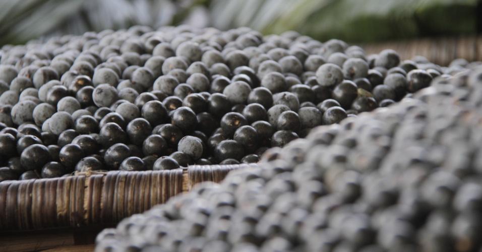 04.set.2012 [foto de arquivo] - Cestos com açaí são vendidos em feiras da região amazônica
