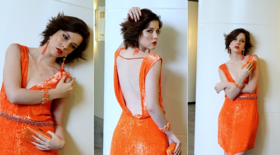 A atriz Bia Arantes fez um ensaio fotográfico para um site de moda (4/9/12)