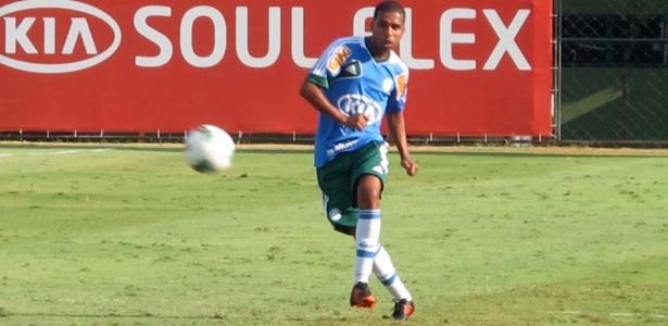 Leandro treina com equipe reserva nesta terça-feira no Palmeiras