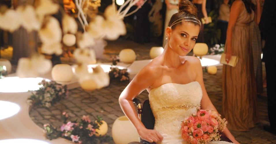 """O vestido de noiva usado pela personagem Luciana (Alinne Moraes), em """"Viver a Vida"""" (2009), é da loja Sì! Moda Sposa"""