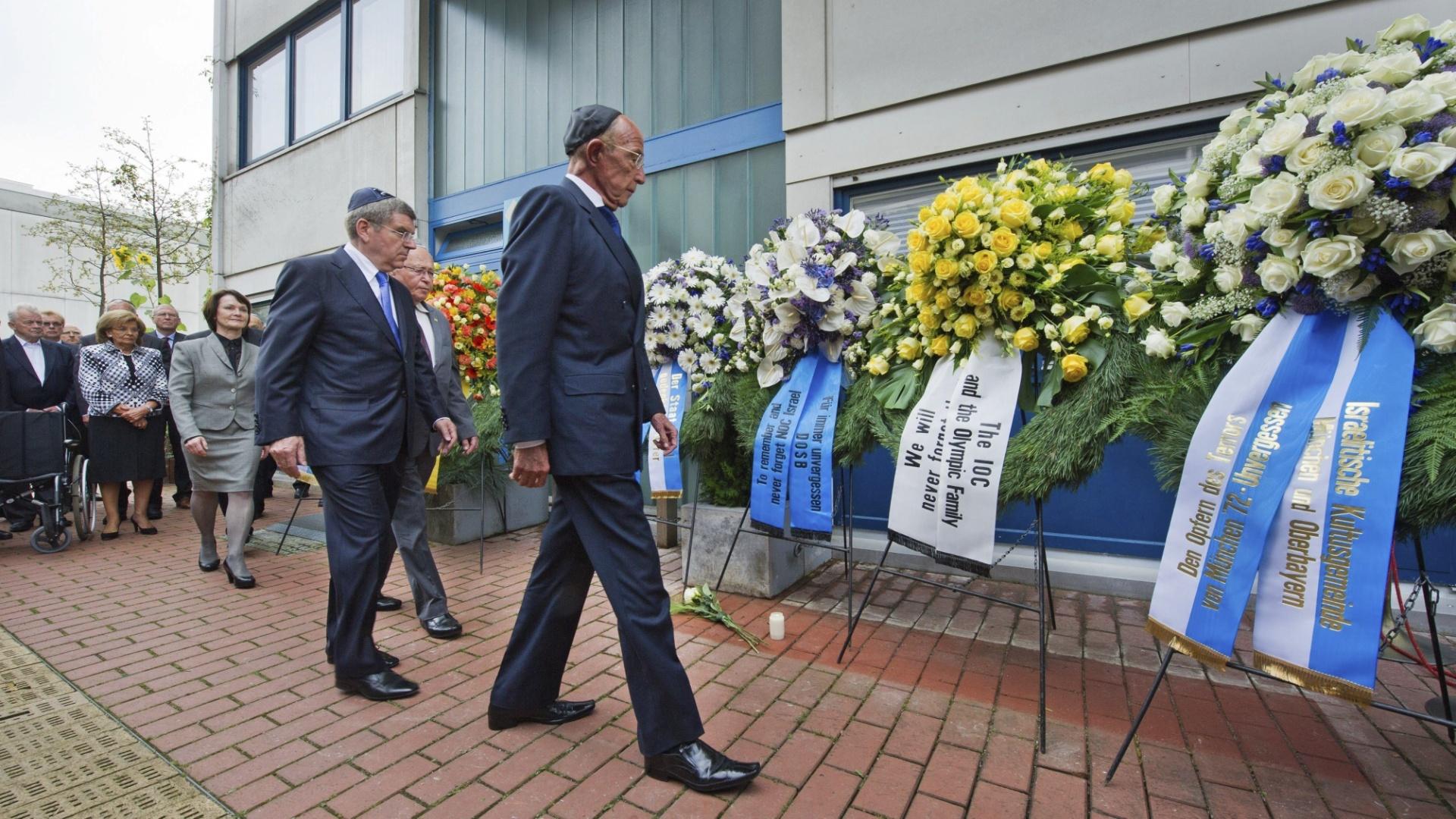 Autoridades alemãs e israelenses participam de ato em memória às vítimas do massacre das Olimpíadas de Munique, que completa 40 anos