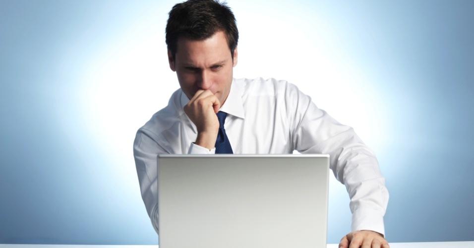 Executivo, homem, empresário, aprendizado, notebook, concentração