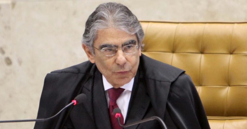 6.set.2012 - O presidente do Supremo Tribunal Federal (STF), ministro Carlos Ayres Britto, abre sessão do julgamento do mensalão nesta quinta-feira (6)