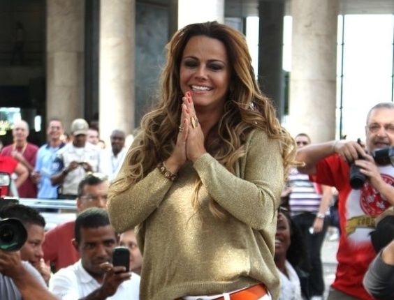 Depois que venceu o reality show da Record, na última quarta-feira (29) Vivi ainda não tinha voltado para o Rio (6/9/12)