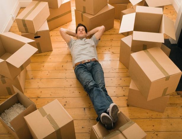 De acordo com psicólogos, a melhor forma de lidar com a distância dos pais é dialogando - Thinkstock