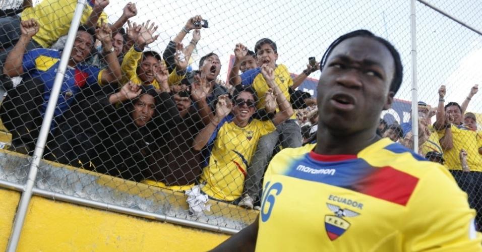 07.set.2012 - Felipe Caicedo comemora após marcar gol de pênalti que definiu a vitória por 1 a 0 do Equador sobre a Bolívia pelas eliminatórias da Copa-2014