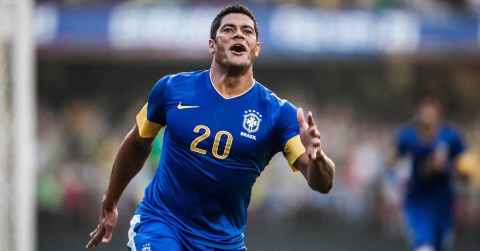 Hulk saiu do banco de reservas para marcar o gol da vitória do Brasil sobre a África do Sul