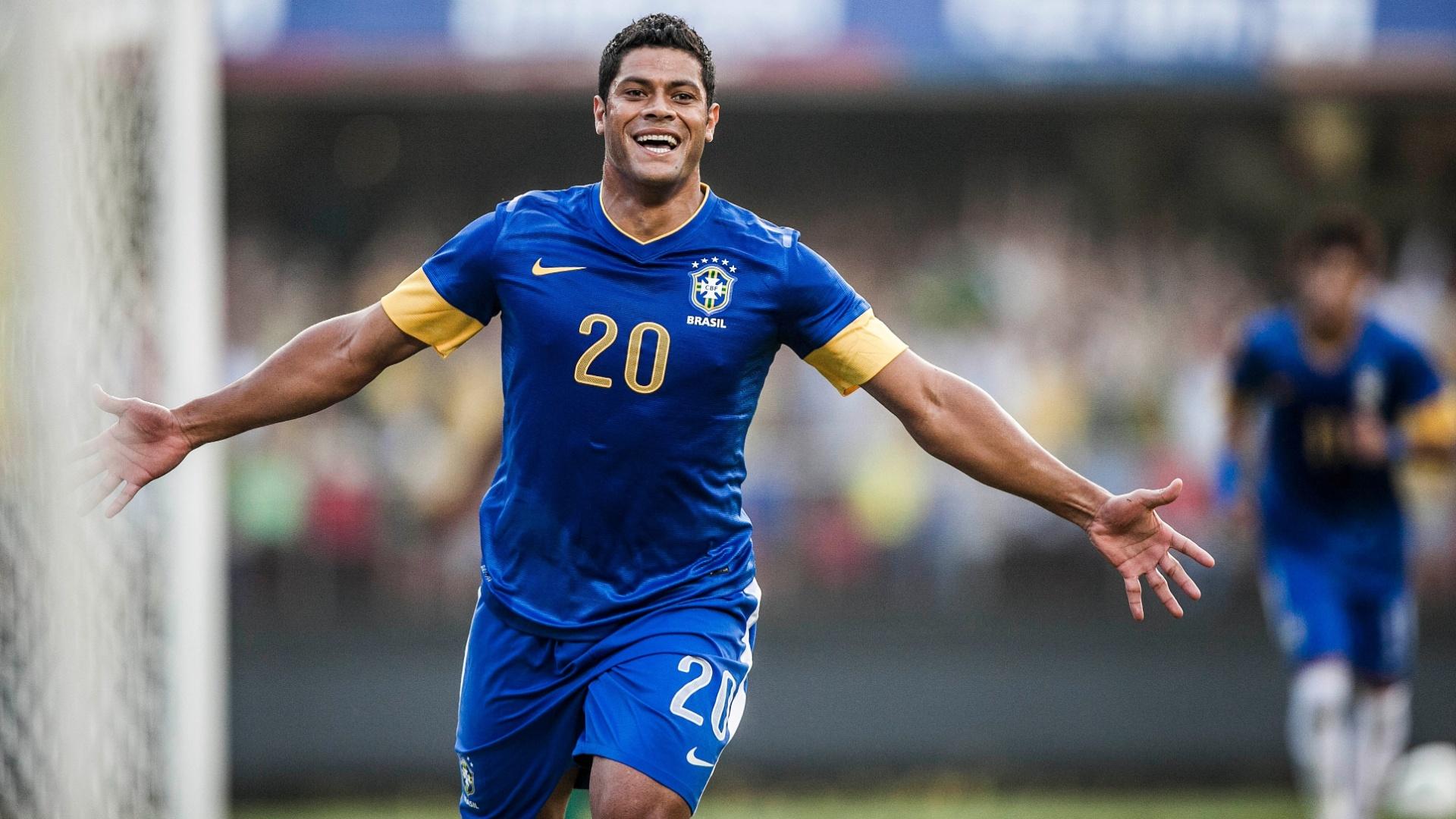 Hulk vibra com seu gol pela seleção brasileira contra a África do Sul