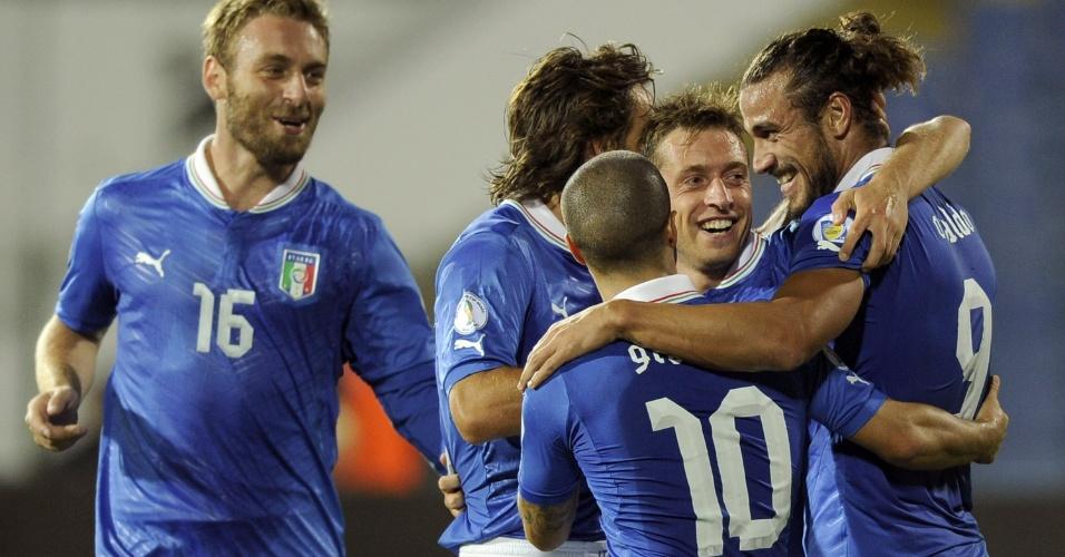 07.set.2012 - Pablo Osvaldo comemora após marcar gol para a Itália na partida contra a Bulgária pelas eliminatórias da Copa-2014; jogo terminou empatado por 2 a 2
