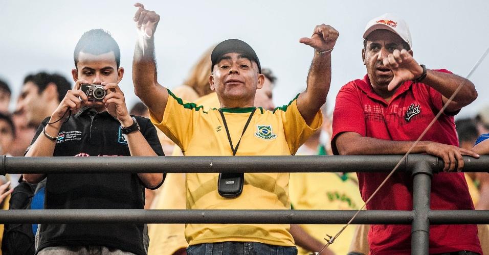 Torcedores reprovam atuação da seleção brasileira contra a África do Sul