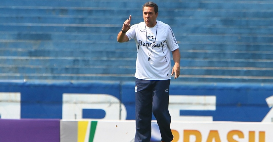 Vanderlei Luxemburgo comanda treinamento do Grêmio (07/09/2012)