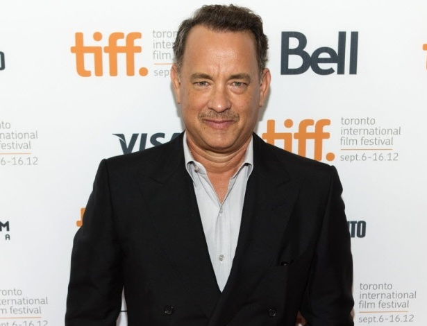 """Tom Hanks passa pelo tapete vermelho ao chegar para a exibição de """"Cloud Atlas"""" no Festival de Toronto (8/9/12) - Mark Blinch/Reuters"""
